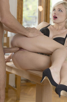 Hot Blonde Model Zazie Skymm Like To Make Cock Happy