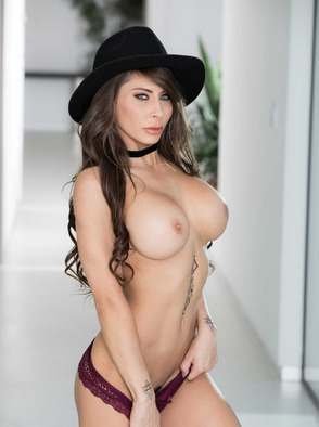 Porn Star Slut Madison Ivy Nude