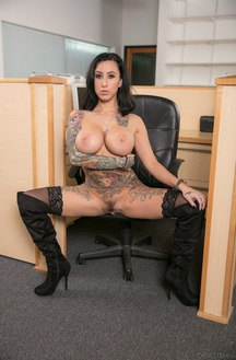 Office Babe Lily Lane Bent Over Showing Her Juicy Rump