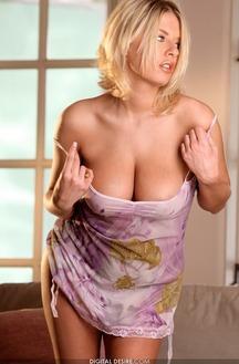 Riley Evans Large Natural Boobs