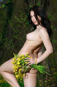 Pure Nude Chick Sivilla
