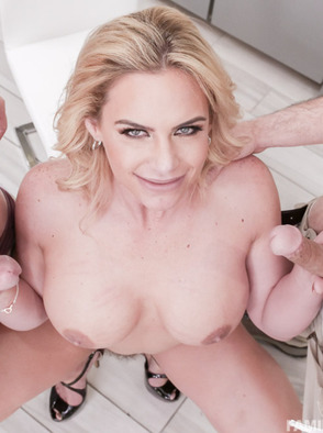 Phoenix Marie In Some Hardcore Threesome Porn