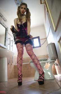 Stella Cox Gets Horny In The Bathroom