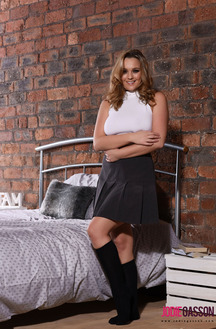 Jodie Gasson Teasing On The Bed