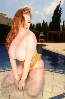 Stunning Babe Sophie Coady