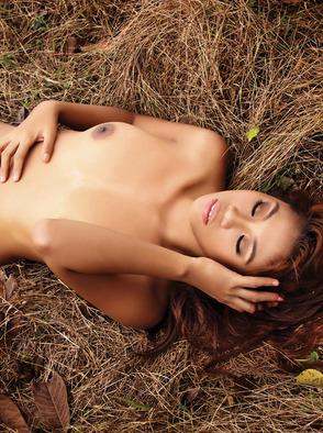 Ayesha Surihani Beautifull And Attractive Babe