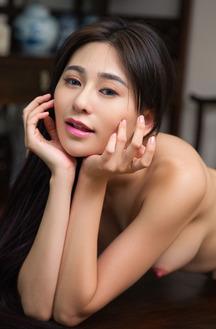 Sexy Wu Muxi Take Off Her Pajamas