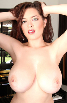 Hottest Women Tessa Fowler And Her Big Boobs