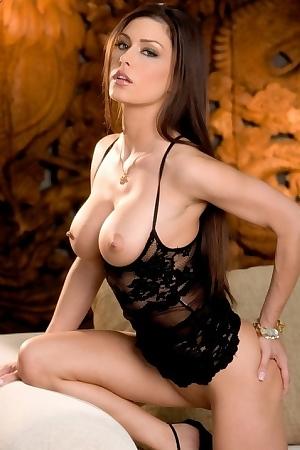 Sexy Jessica Strip Teases!