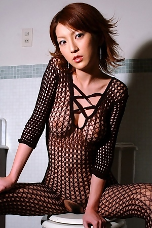 Kaede In Sexy Black Fishnet