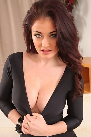 Jess Impiazzi's Hypnotic Eyes