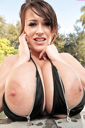 Leanne Crow Has Massive Boobs