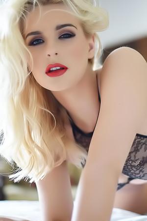 The Most Glamour Supermodel Jess Davies