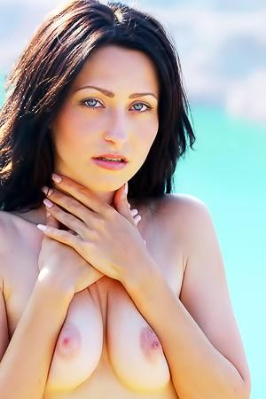 Erotic Teen Janelle B Spreading