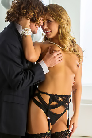 Carter Cruise Is Fucked In Stockings
