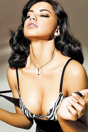 Photomodel Adriana Lima Topless