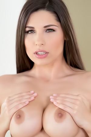 Zafira Masturbation Pussy