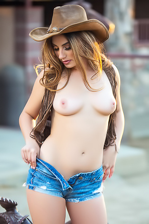 Cowgirl Lauren Love