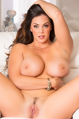 Alison Tyler In Sexy Denim Shorts