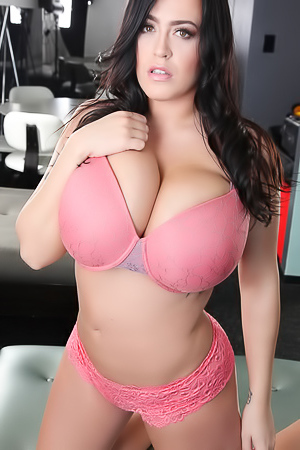 Giant Boobed Leanne Crow In Sexy Pink Bra