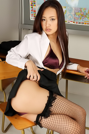 Busty Asian Yuki Mogami