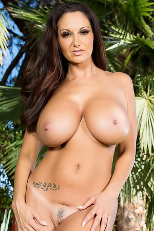 Busty And Sporty MILF Ava Addams Strips Outside