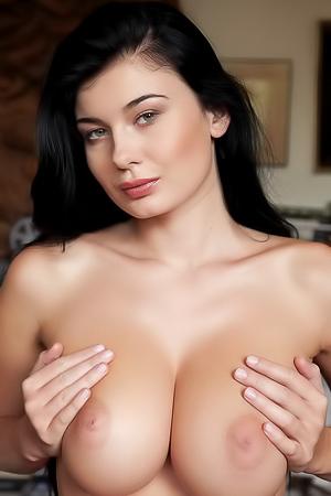 Busty Lucy Li
