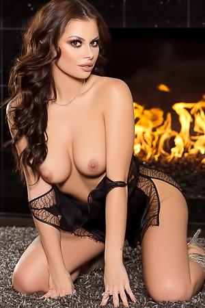 Amazing Playboy Cybergirl Shelly Lee Poses Naked