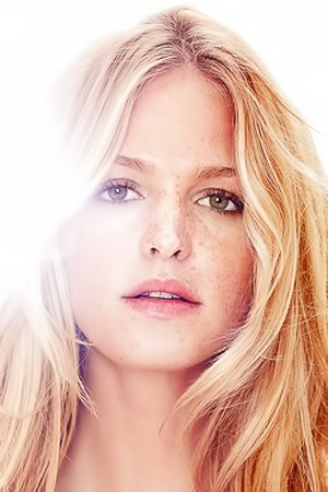 Hot Pics Of Erin Heatherton