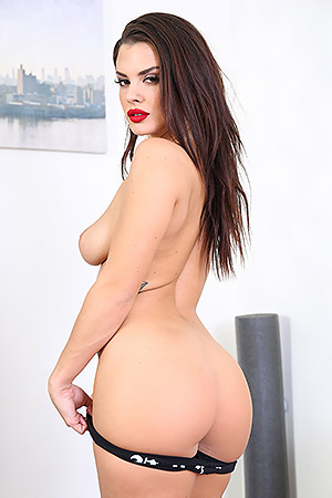 Brunette Slut Keisha Grey
