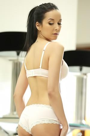 Sexy Francys Belle
