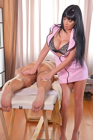 Busty Masseuse Valentina Ricci In Hardcore Fuck Action