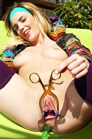 Blake Eden Strips To Naked Otdoors