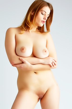 Big Boobed Honey Is Showing Her Body