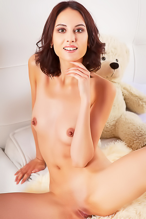 Sade Mare Posing Nude Showing Her Shaved Pussy