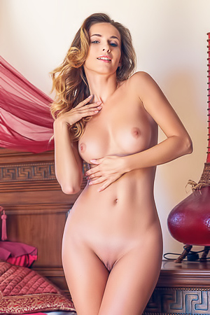 Cara Mell Indoor Striptease