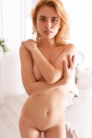 Erotic Teen Roxi A