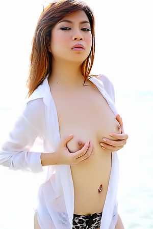 Asian Hottie Juliet On The Beach