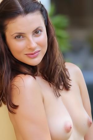Jazz Sexy Brunette Striptease